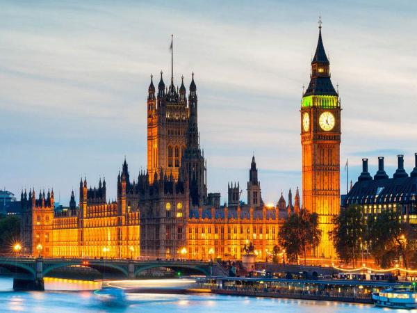 英国留学行前准备:这些打折卡你值得拥有